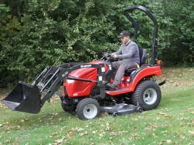 Compact Tractors/Groundcare machinery - P and D Engineering